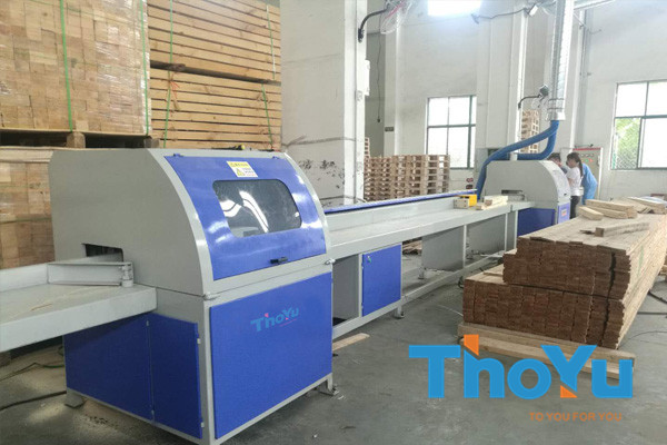 CNC Wood Saw Machine