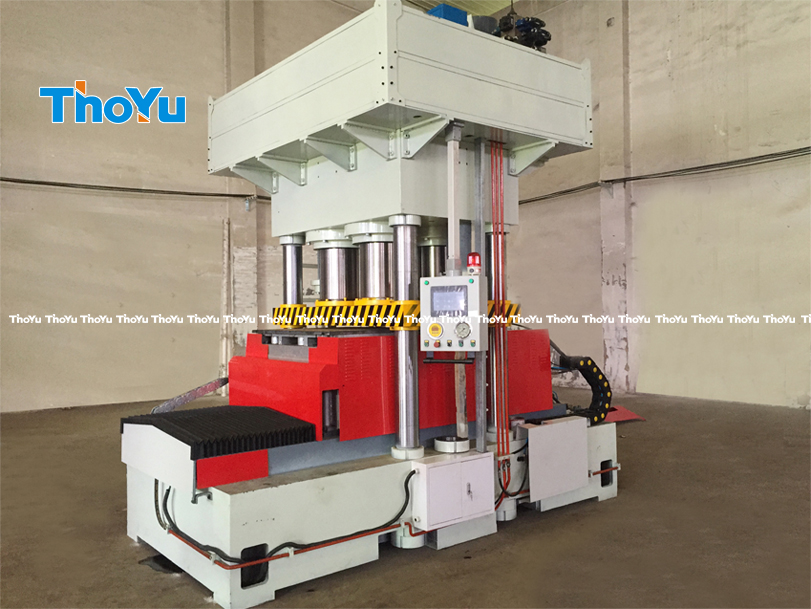 double-mould press wood pallet machine