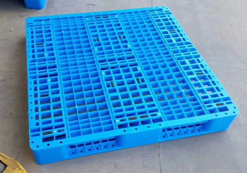 injection molding plastic pallet